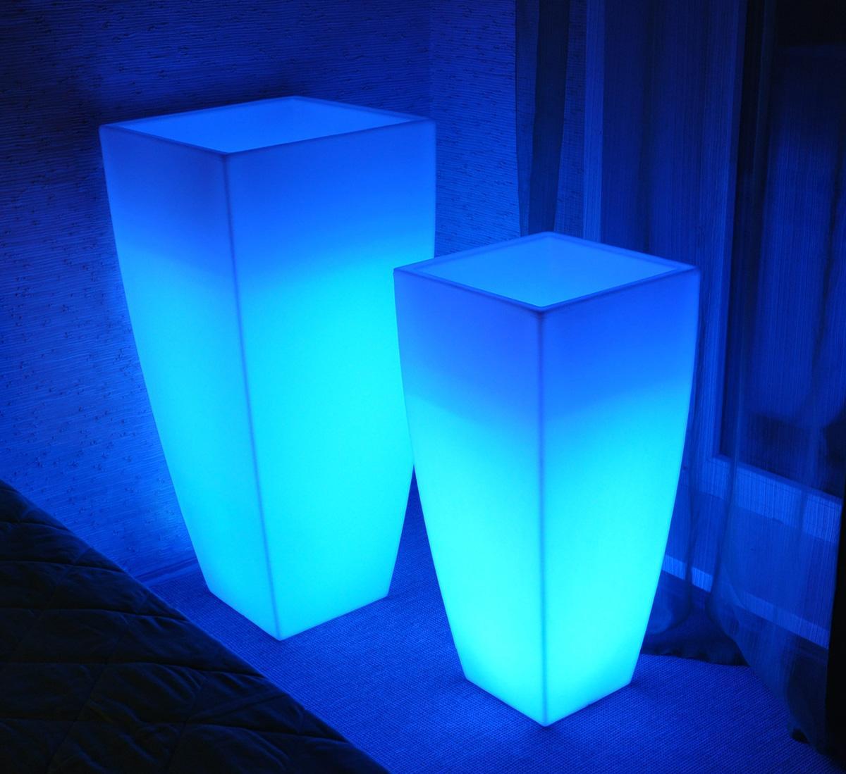 Светящаяся LED-мебель: декоративная 31